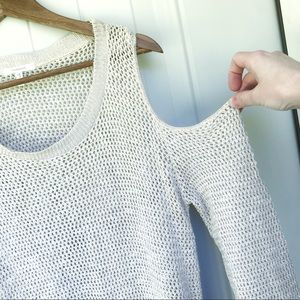 NWOT Maurices cold shoulder sweater cream